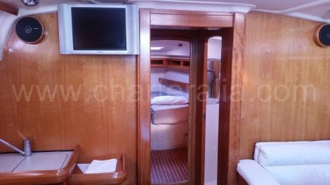 Lounge Bavaria 46 veleiro