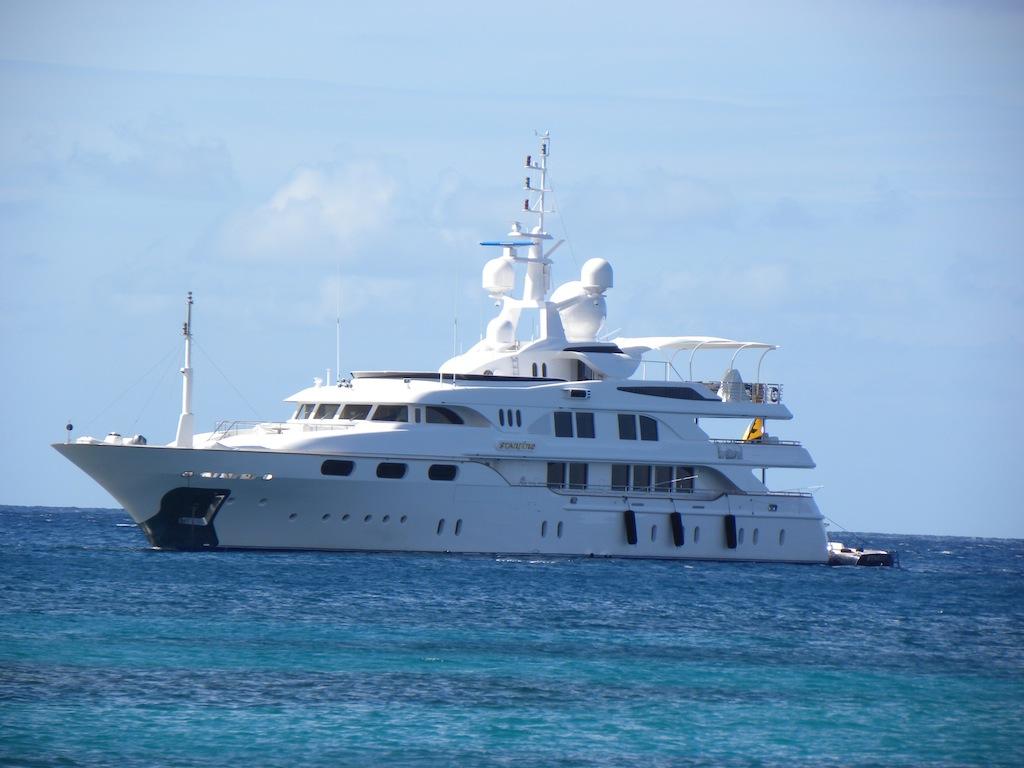 Starfire Yacht Charter Details Benetti CHARTERWORLD