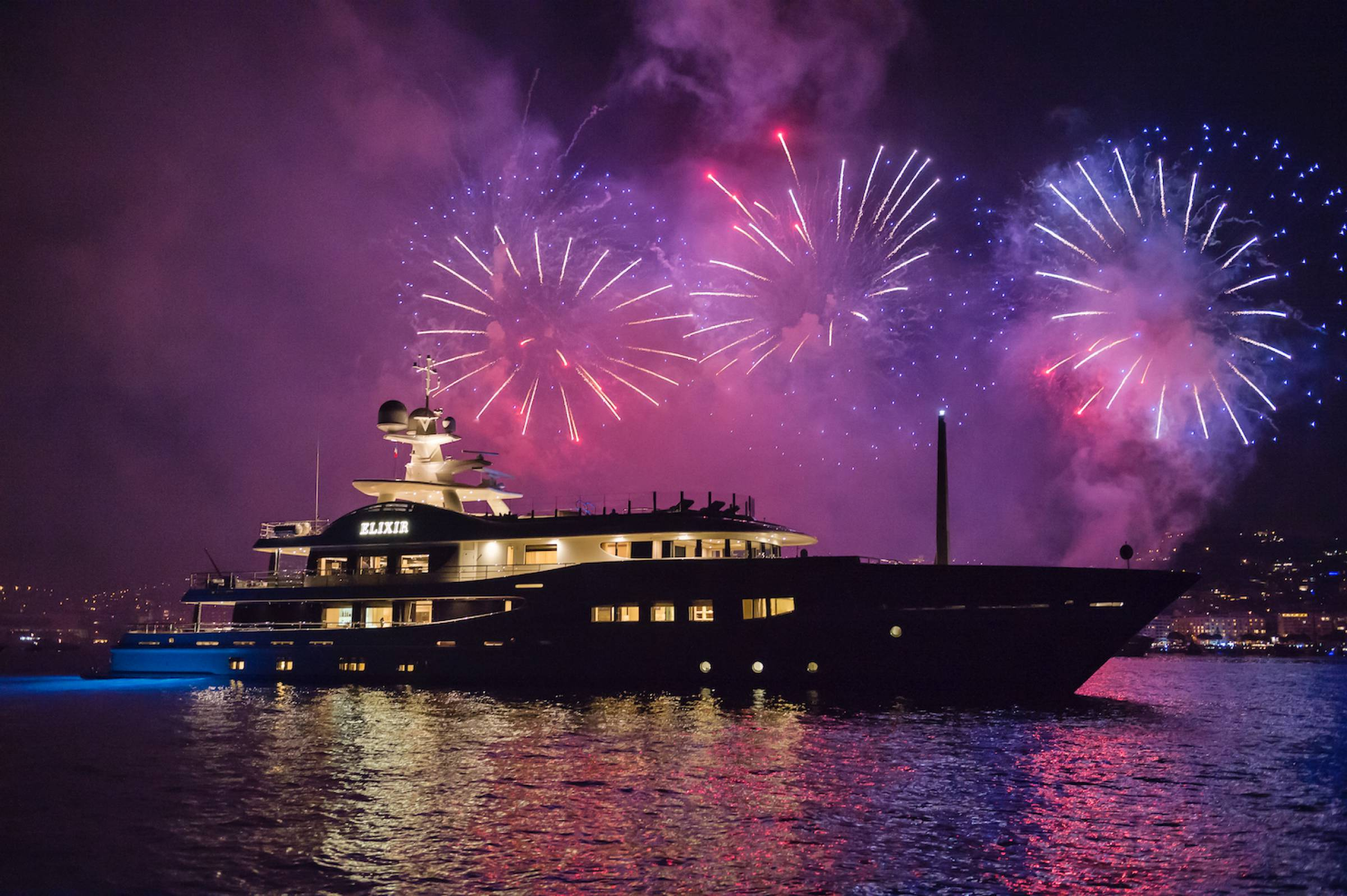 Luxury Yacht Charter Specials Superyacht Price Discounts