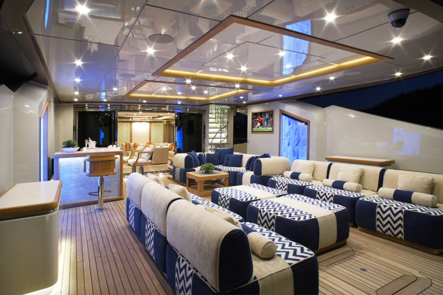 Yacht LADY M  a Palmer Johnson PJ 210 1 Superyacht   CHARTERWORLD     9 Palmer Johnson PJ210 yacht Lady M   Main Deck