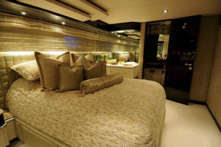 Motor Yacht LADY BEE Christensen