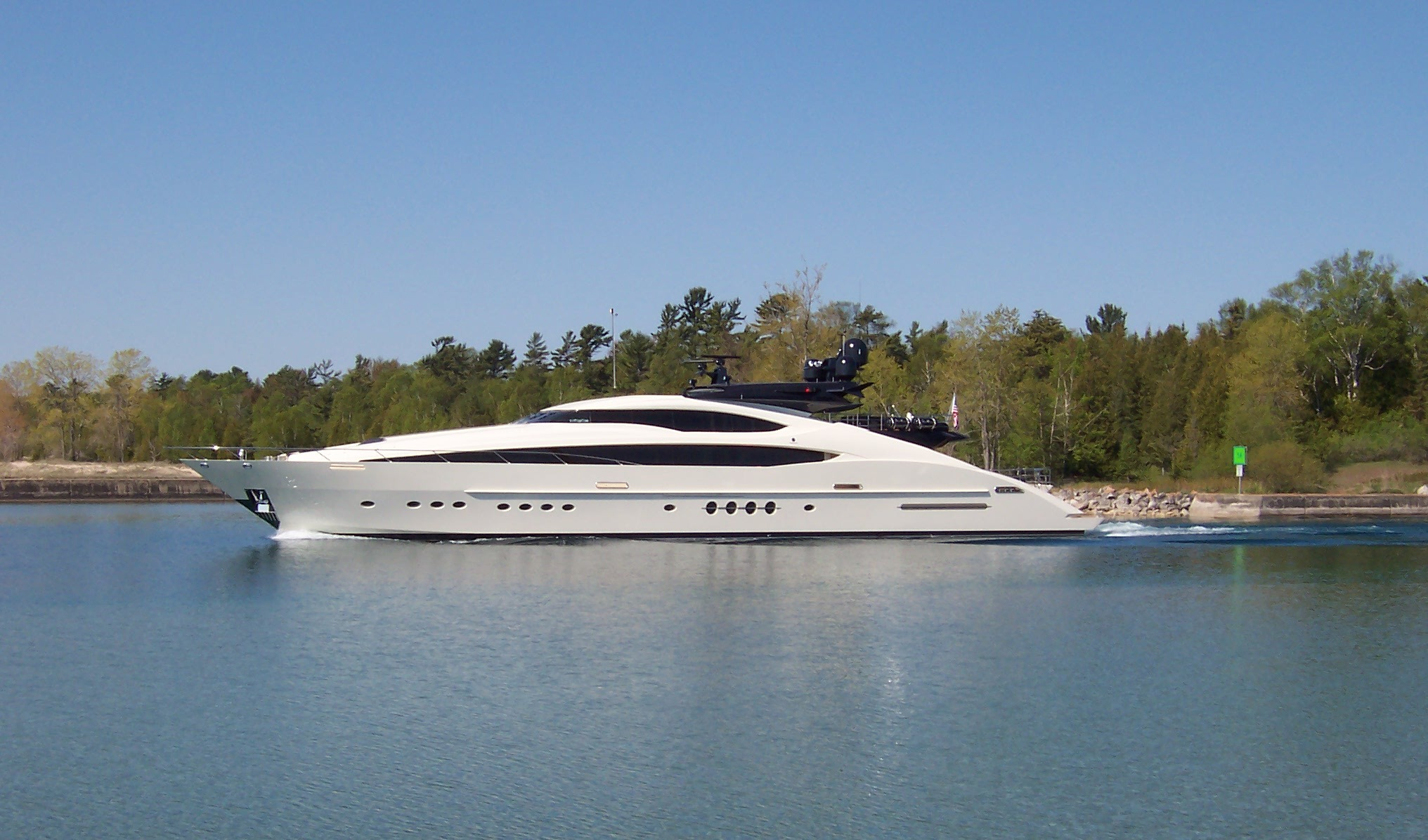 Yacht VANTAGE Palmer Johnson CHARTERWORLD Luxury