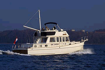 Grand Banks 46 Yacht Charter Details 46ft Classic Motor