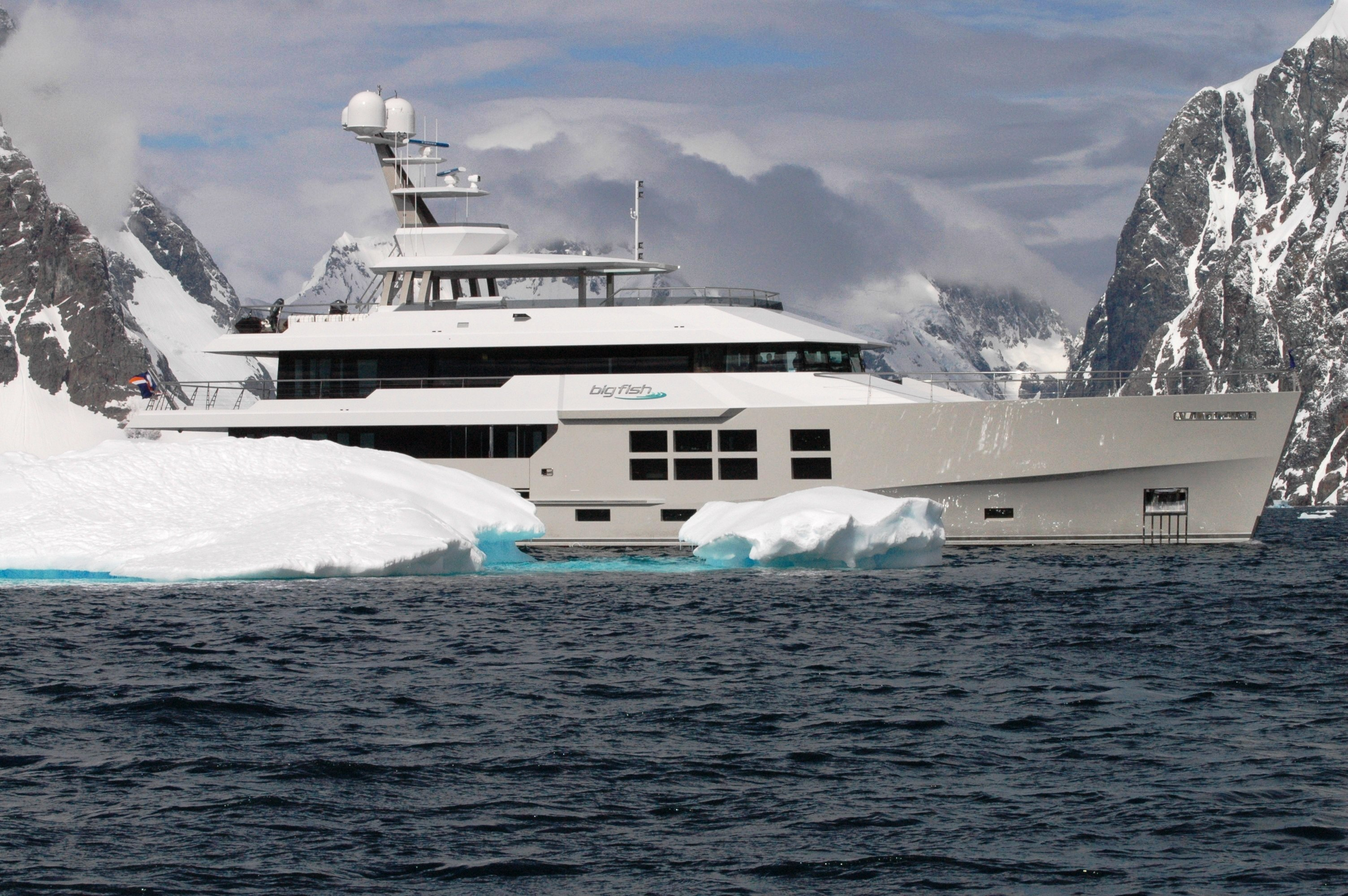 Expedition Motor Yacht Big Fish Yacht Charter