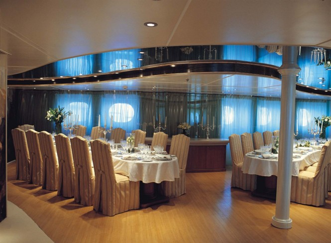 Motor Yacht Rm Elegant The Party Boat Available For