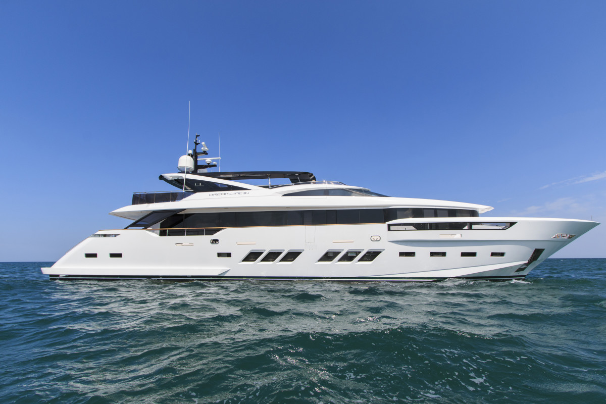 Luxury Motor Yacht Dreamline 34m By DL Yachts Yacht
