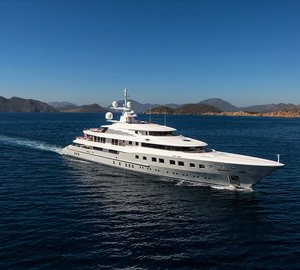 Motor Yacht UNBRIDLED Offers Deluxe Crewed Charters In The