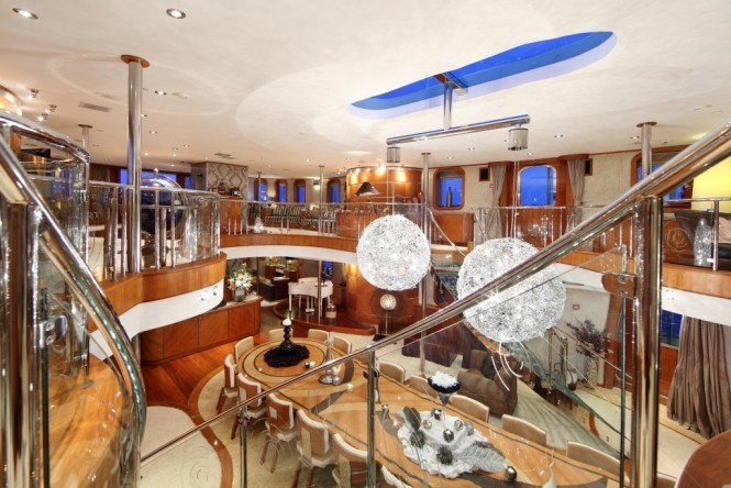 Top 10 Amazing Interior Design On Luxury Charter