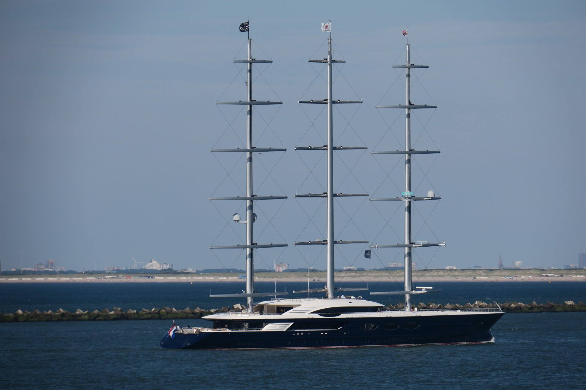 Black Pearl Features 3 Rotating Masts Steel Hull And