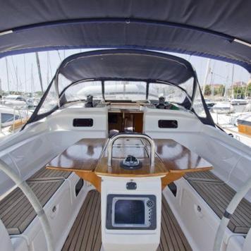 barca a vela charter yacht (13)