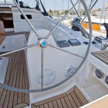 barca a vela charter yacht (5)