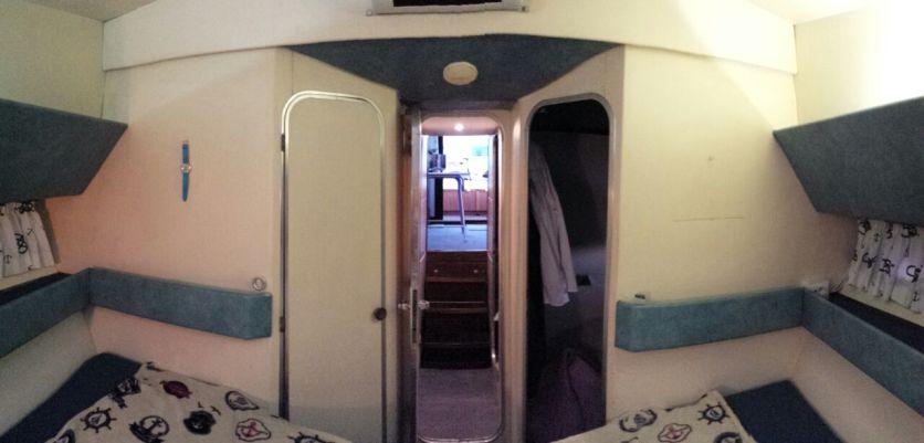 yacht motore cabinato - charter yacht (1) - Copia