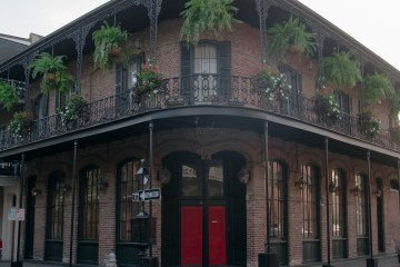 French Quarter Walking Tours in New Orleans | Chasing Departures