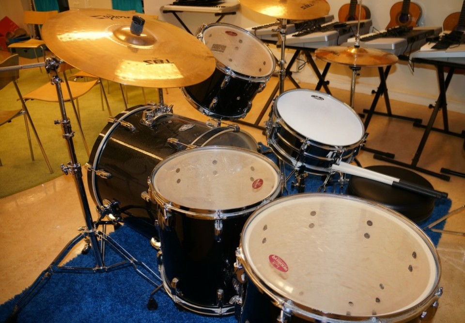THE COST OF AN ELECTRONIC DRUM SET AND HOW TO IDENTIFY A GOOD ONE     1111uyt