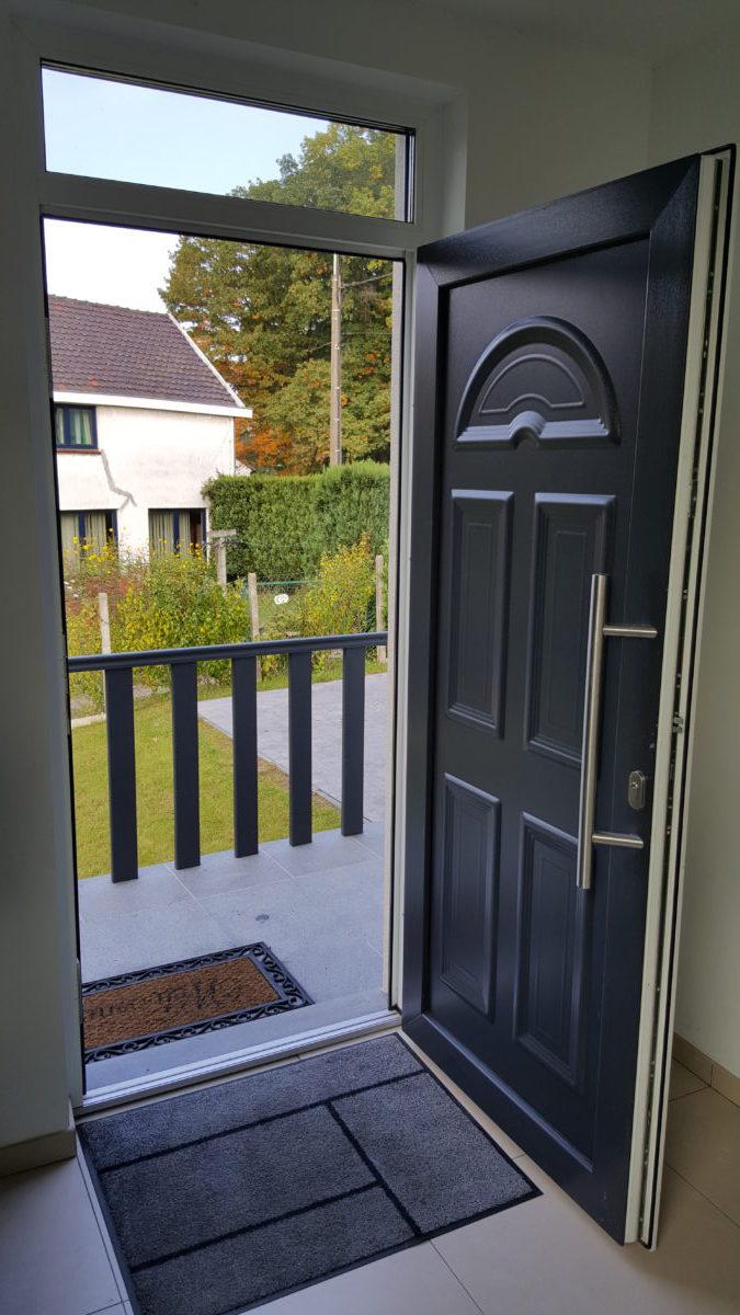 porte d entr e pvc avec imposte prix d 39 une porte d entr e. Black Bedroom Furniture Sets. Home Design Ideas
