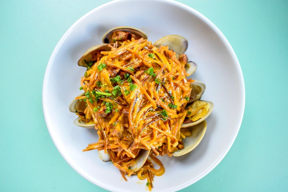 Fideos with chorizo, littleneck clams, sea beans, and garlic aioli.