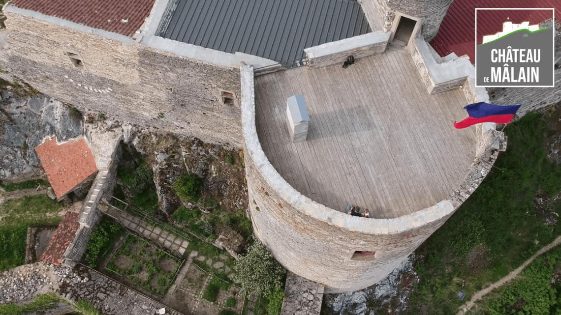 La tour ronde du Château de Mâlain