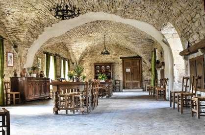 Salle-restaurant-chateau-savigny