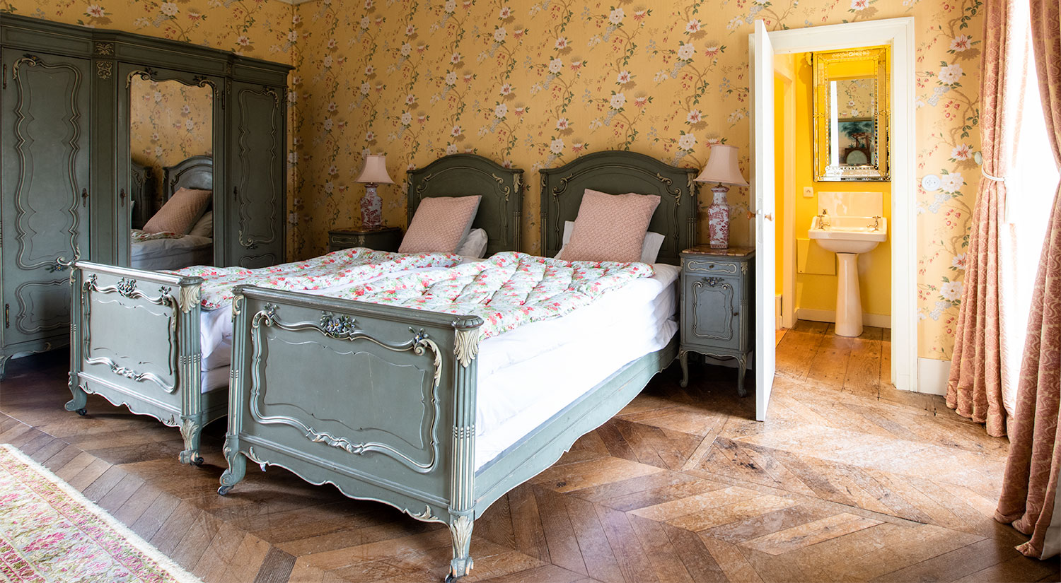 http www chateaudelalande com stay at chateau chambre rose