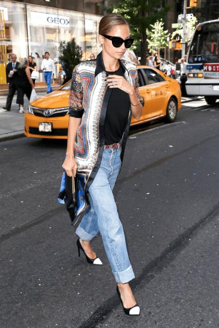 Weekend Style Oversized Blouse Cuffed Boyfriend Jeans