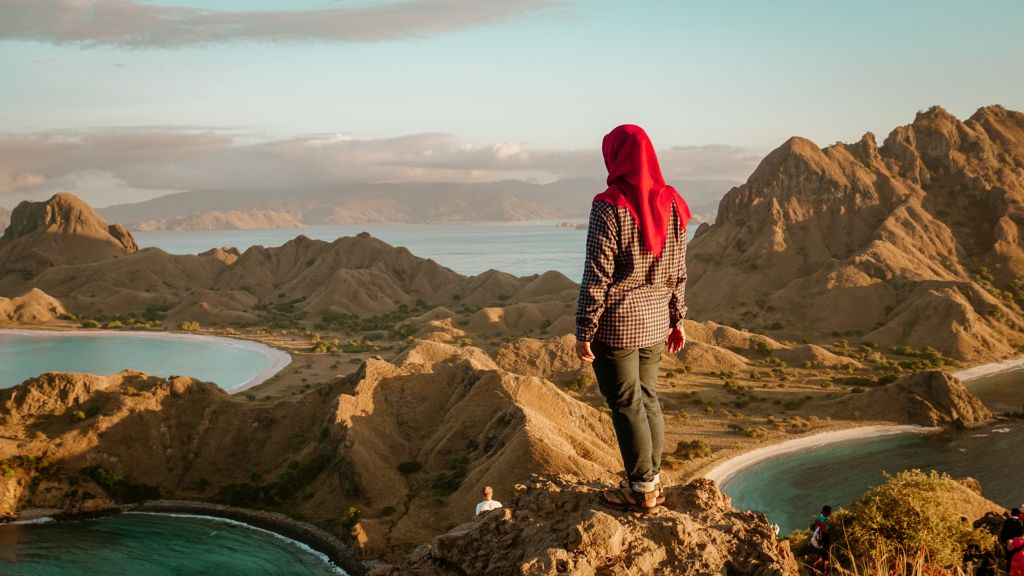 Positive Life Quotes That Will Inspire You From An Afghanistan Woman Writer