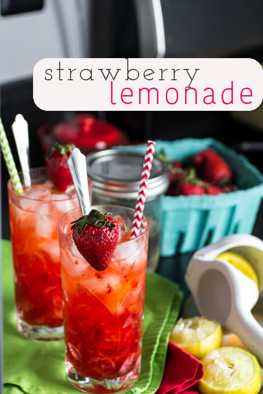 This easy strawberry lemonade is too simple NOT to make it - just smash your strawberries and stir up all your ingredients in the glass! | chattavore.com