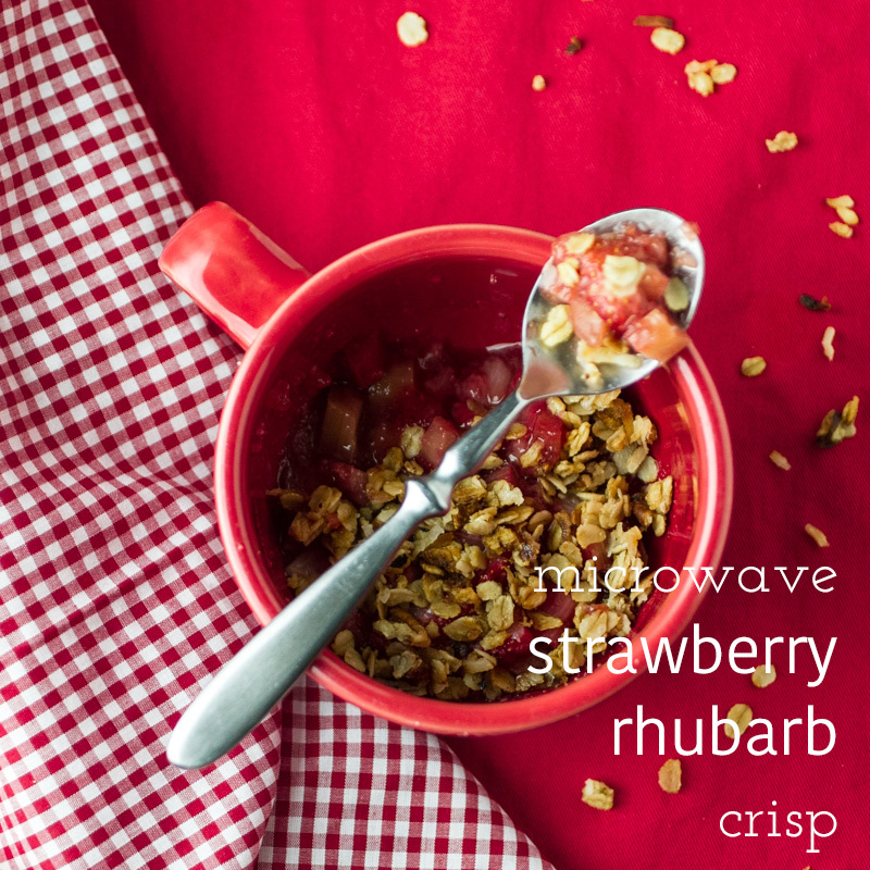 Easy strawberry rhubarb crisp is made in a mug. In the microwave. The whole process takes less than ten minutes. What's not to love? | recipe from chattavore.com