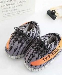 chausson sport lacet gris et orange