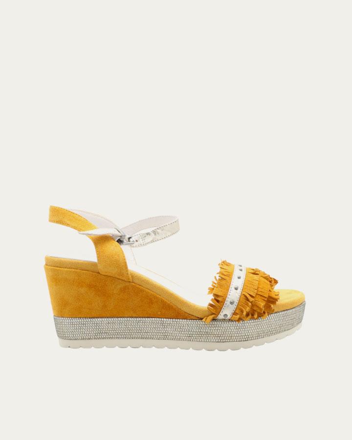 Sandale à talon compensé jaune et franges Durtal