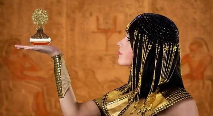 cleopatra_perfume