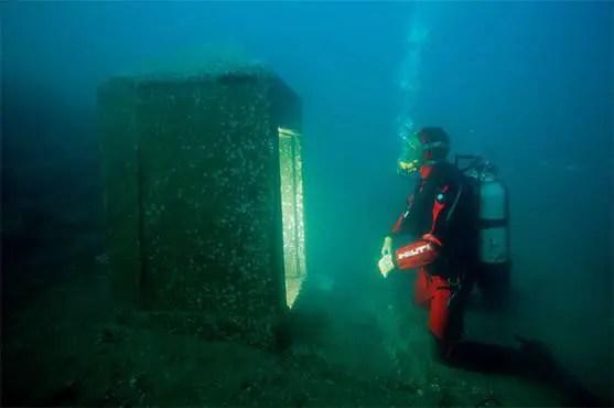 Uma equipe de mergulhadores descobriu um templo submerso da Atlântida Egípcia