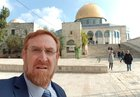 Police remove Jews praying from Temple Mount as hundreds enter complex