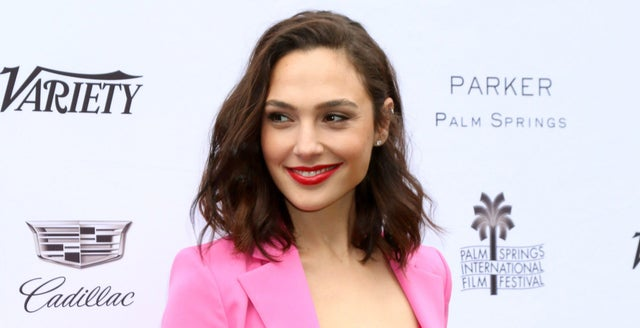 WB Reportedly Asked Gal Gadot To Take Back Her Controversial Tweet