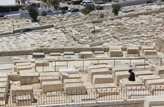 Chief Rabbi: 'Exhume Christian missionary from Jewish plot'