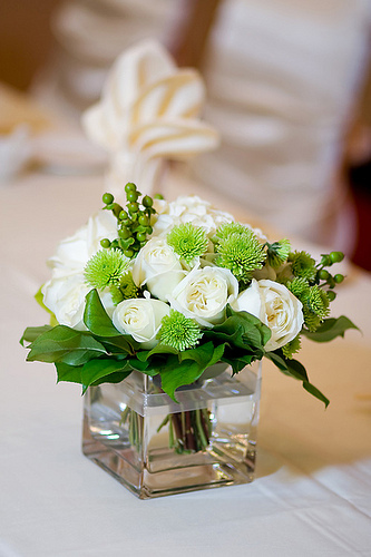 Easy DIY Wedding Centerpieces With Roses