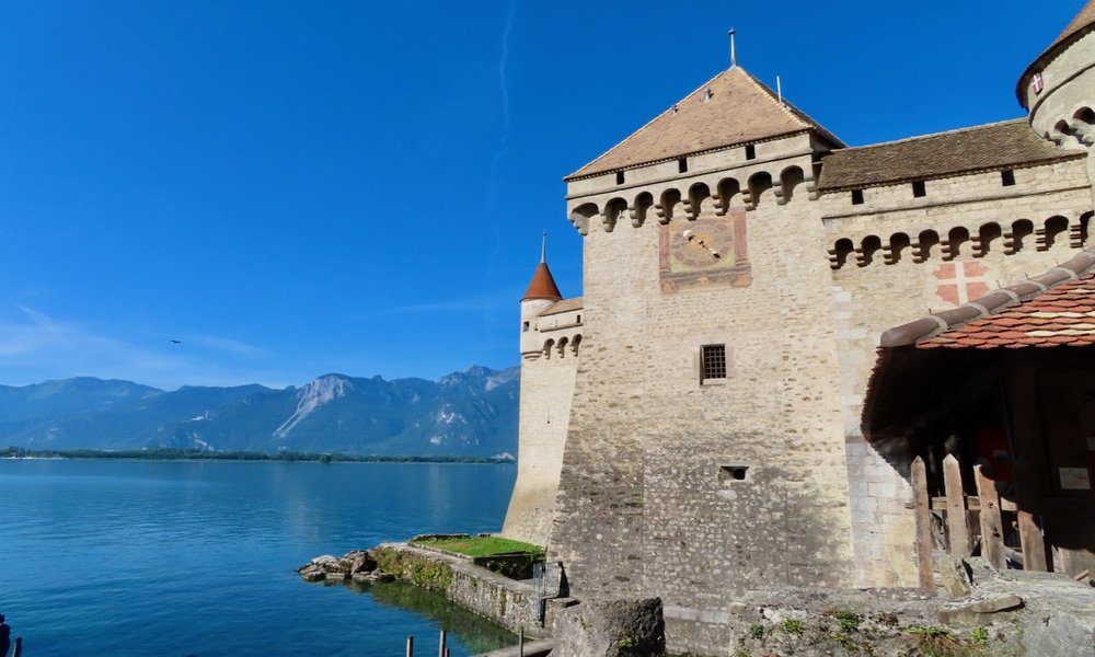 Montreux switzerland vacation: chillon castle