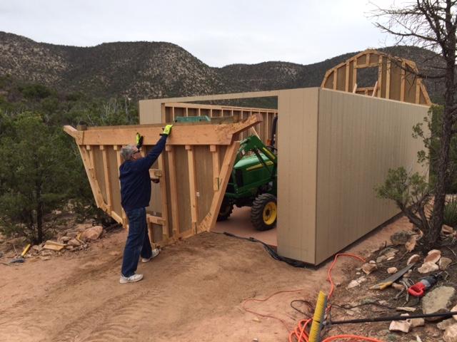 17-installing-gambrel-style-truss