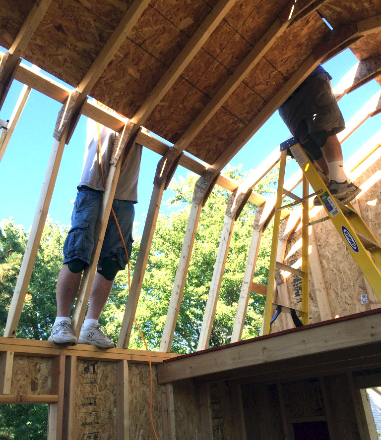Gambrel roof trusses how to build gambrel roof trusses for Truss lofts