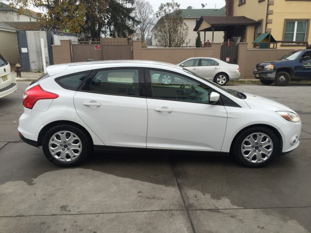 Used 2012 Ford Focus Se Hatchback 5 690 00