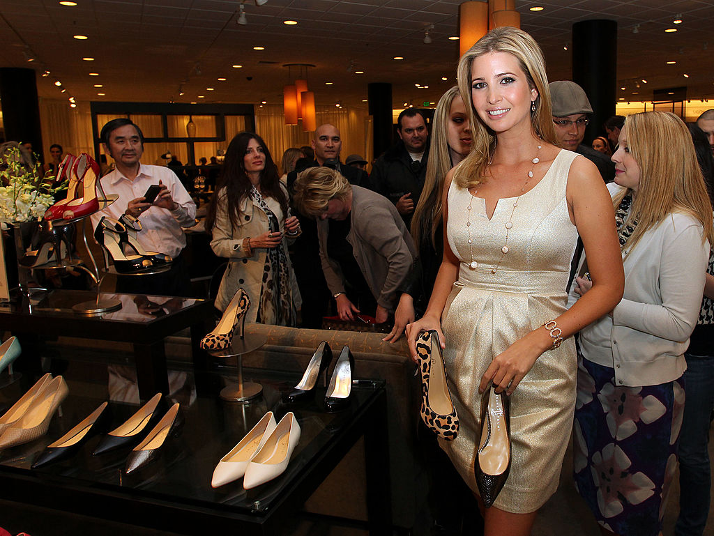 Image result for photos of ivanka and chinese officials at dinner