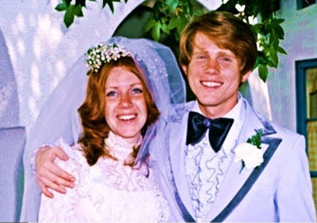 Cheryl and Ron Howard on their wedding day in 1975