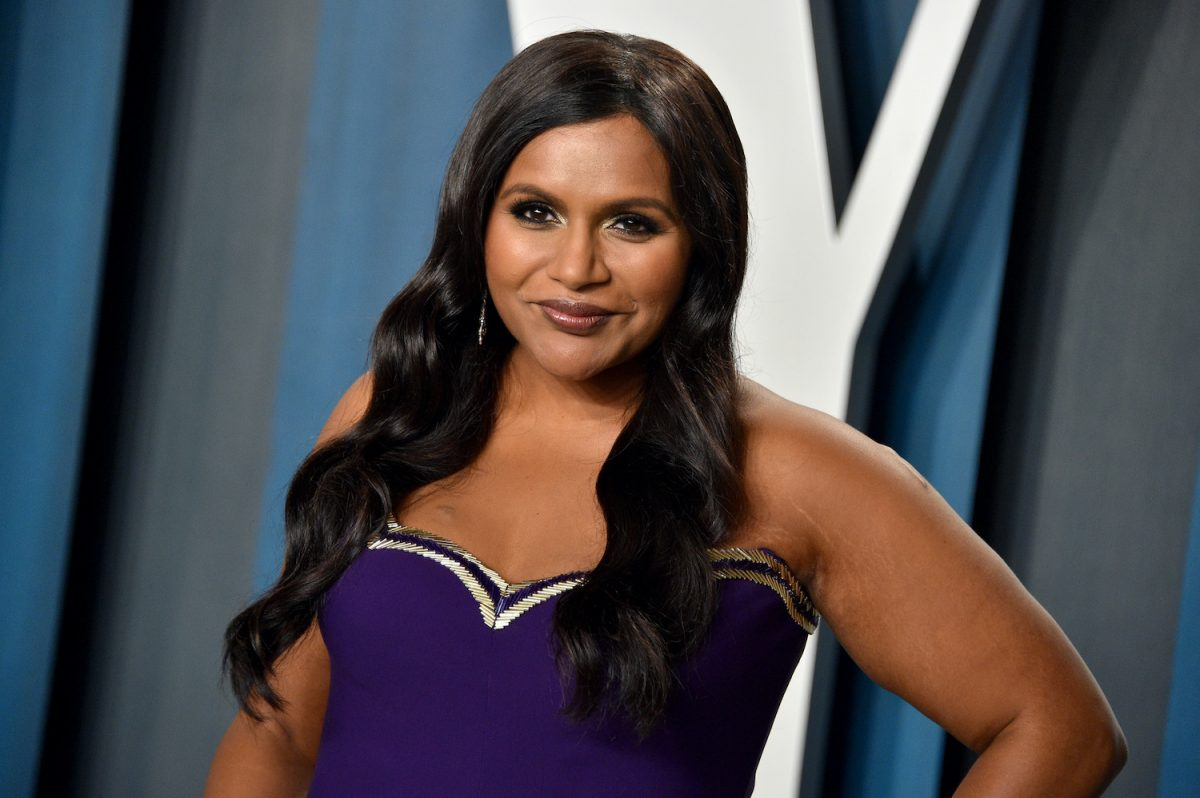 Mindy Kaling attends the Vanity Fair Oscar 2020 Party