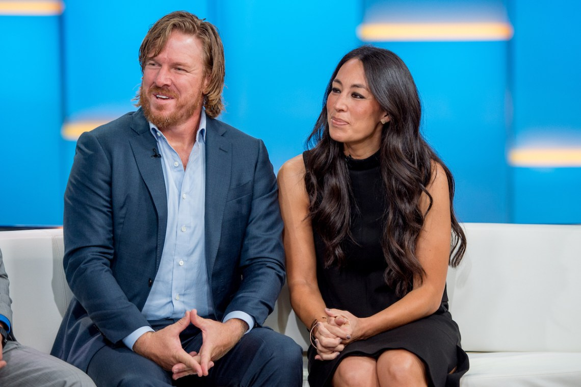 Download Chip and Joanna Gaines Explain They Don't Own a TV Because ...