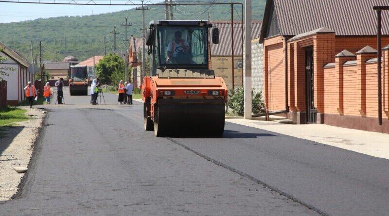 ЧЕЧНЯ.  Общественники в Грозном проверили ход работ на улице Рассветная