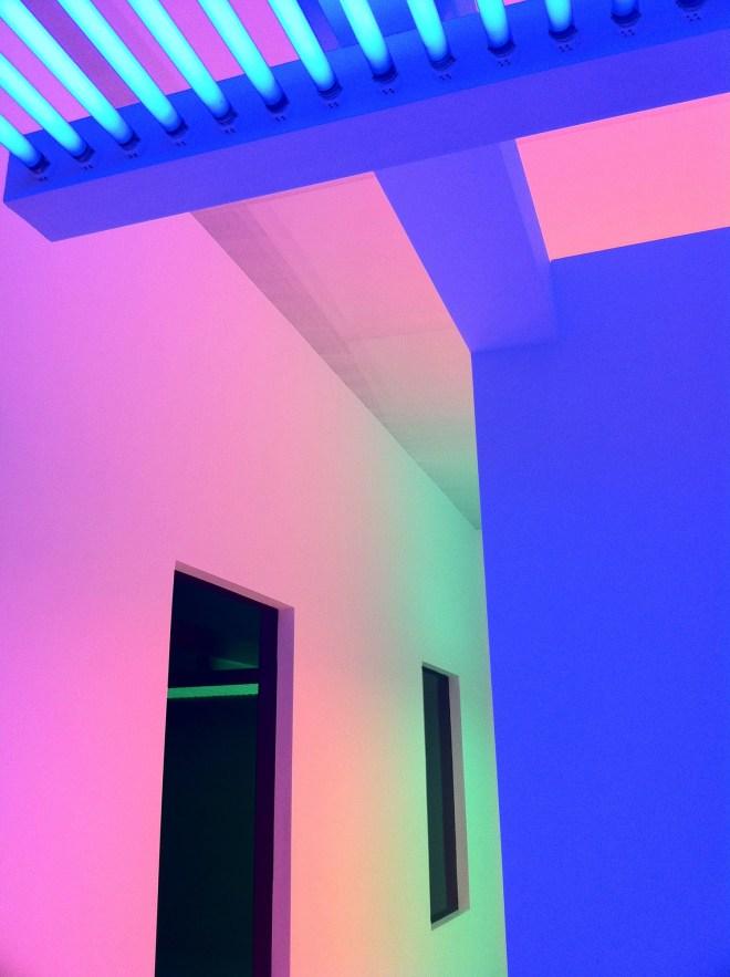 Hirshhorn-LightNeonInstalation