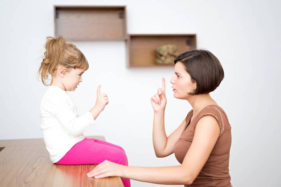 Disussione madre figlia: il dialogo è esilarante (video)
