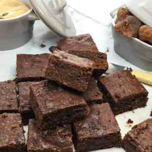 No-crust fig brownies baked in a water bath for soft moist brownies right to the edges