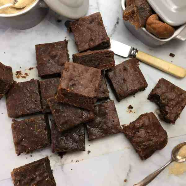 No-crust fig brownies - try my special trick for moist, no-crust brownies without the hard edges