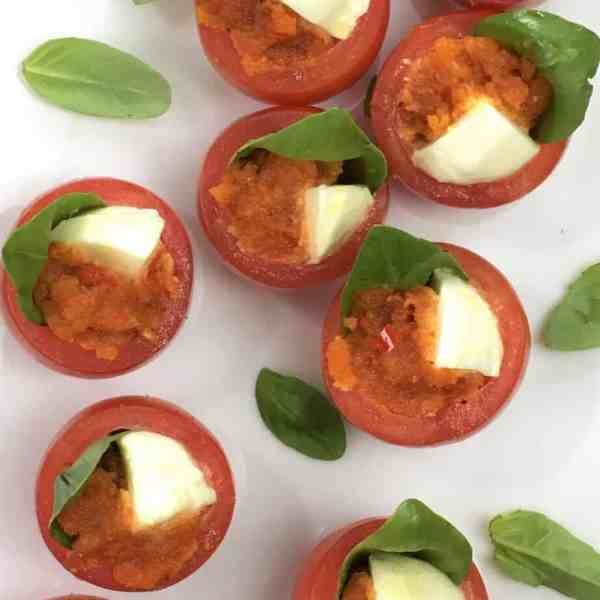 Tomato basil cups with chilli - one bite appetizers for your next party or event