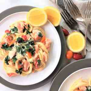 Lemon parsley salmon pasta - quick & easy weeknight creamy pasta in only 20 minutes